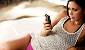 hot-girl-texting